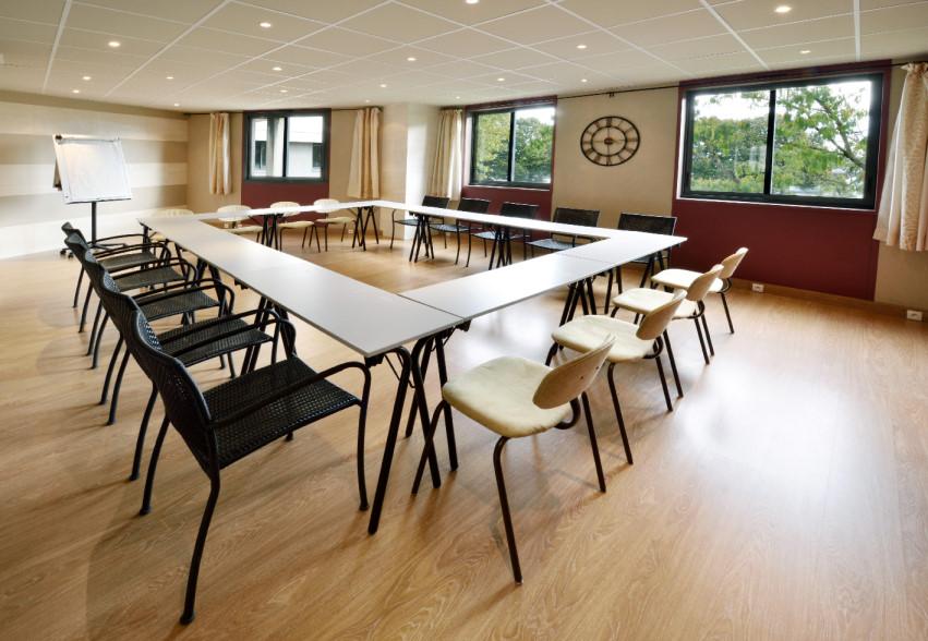 Tables et chaises 20 places